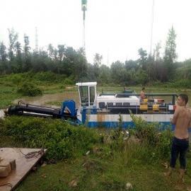 河道绞吸式挖泥船清淤工作现场
