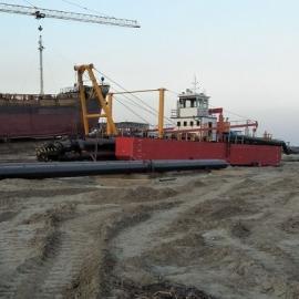 河道疏浚挖泥设备 河道疏浚挖泥船可以航行 不需抛锚河道挖泥船