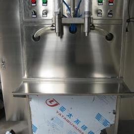 济南双头立式润滑油灌装机#青岛双头啤酒饮料灌装机@沃发机械