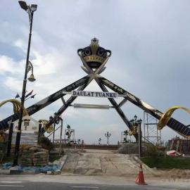 东莞原著不锈钢雕塑厂家供应皇冠雕塑 马来西亚广场装饰摆件