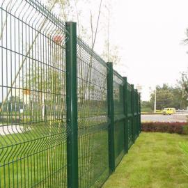 彩色折弯护栏网厂家|红色绿色铁丝网厂家|桃型柱护栏网厂家