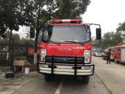 国五四驱越野森林消防车