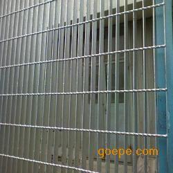 钢格板护栏|镀锌钢格板护栏网|黑龙江钢格板护栏网直销
