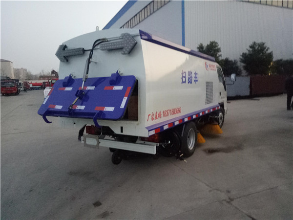大庆市东风多利卡洗扫车多少钱一台