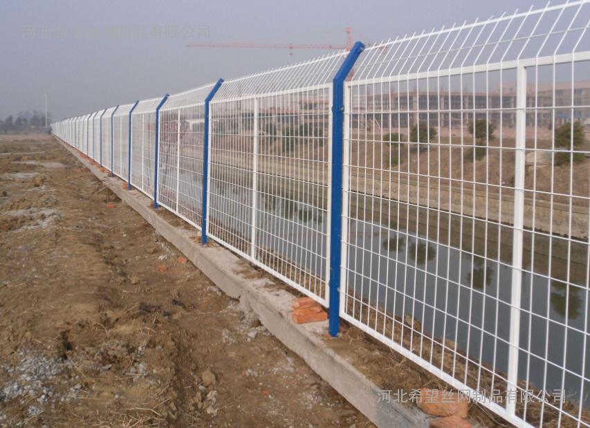 供应公路护栏铁路护栏机场护栏价格