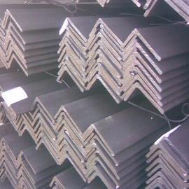 采购云南昆明角钢Q235B市场最低价格多少钱一吨