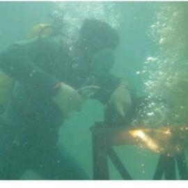 水下切割钢筋笼