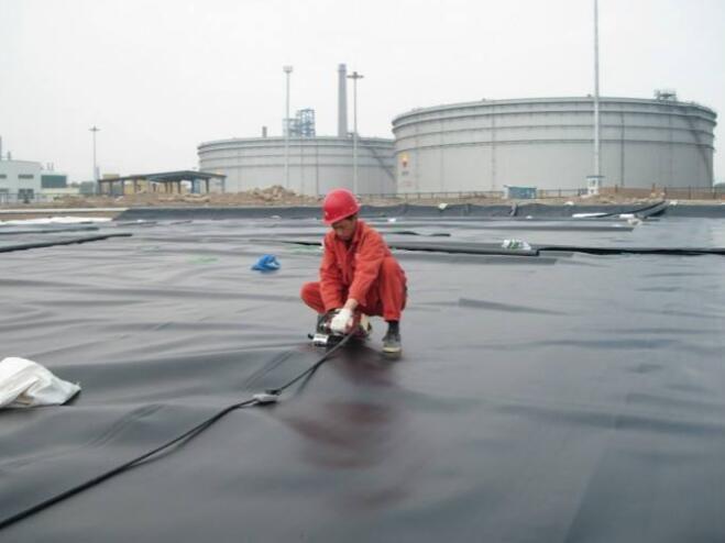 云南临沧镇康HDPE防渗土工膜-HDPE防渗膜-焊接施工