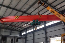 10吨单梁叉车厂家,10吨行吊价格