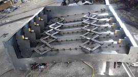 伸缩式钢板防护罩加工定做,优质伸缩式钢板防护罩厂家
