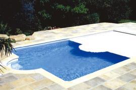别墅游泳池按装盖板的好处