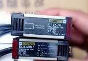 OMRON欧姆龙E2Q3,E2S方形传感器
