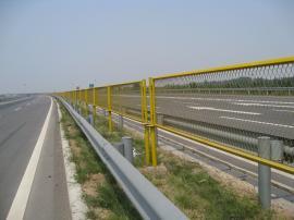 高速隔离钢板网厂家|防眩网厂家|厂家直销
