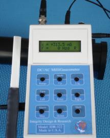美国IDR-322毫高斯计特斯拉计带数据记录地磁仪