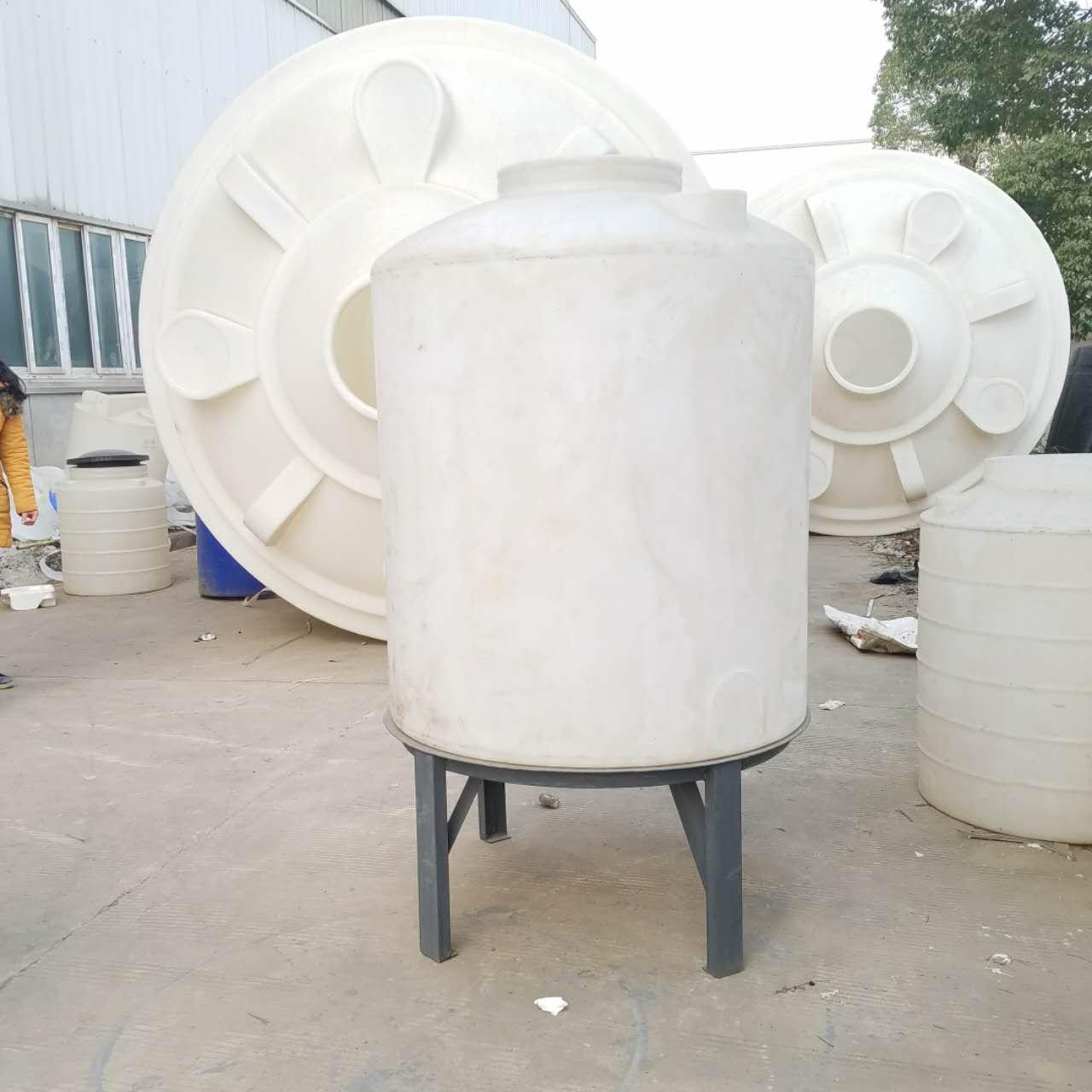 1.5吨PE水箱1500L平底立式水箱1.5吨塑料水塔生产厂家批发