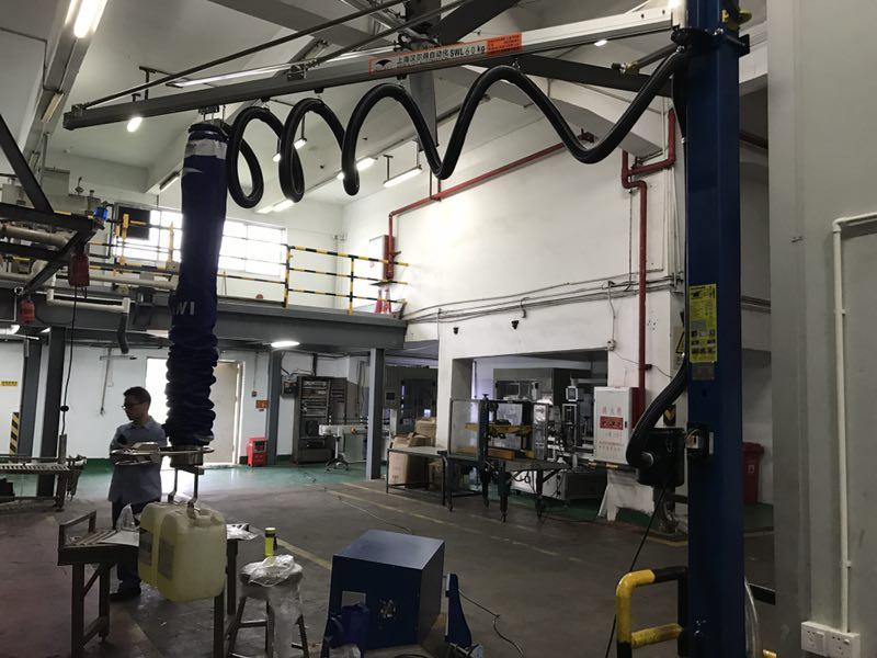 汉尔得气管吸吊机、非标定制吸盘吊具塑料桶类产品搬运码垛吸