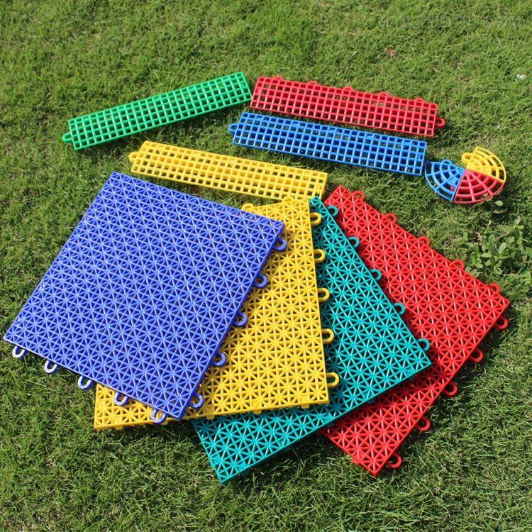 悬浮拼装地板 篮球场拼装地板 羽毛球场地胶 洗手间拼装地板