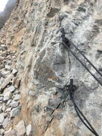 挖地基石头劈裂机劈裂棒