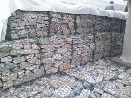 护坡格宾石笼大型生产厂家――宏来网业