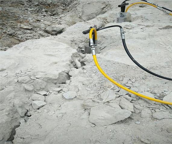 土石方石头劈裂机的开采成本