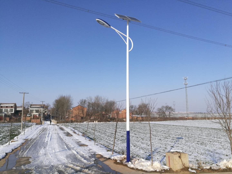 大德太阳能路灯厂家供应