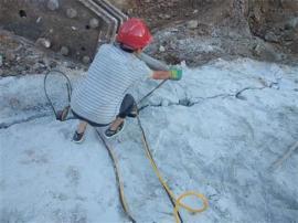 劈裂器开山破石头的方法