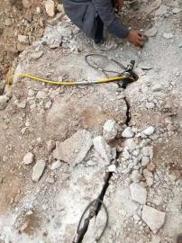 采石场破碎石头劈裂机
