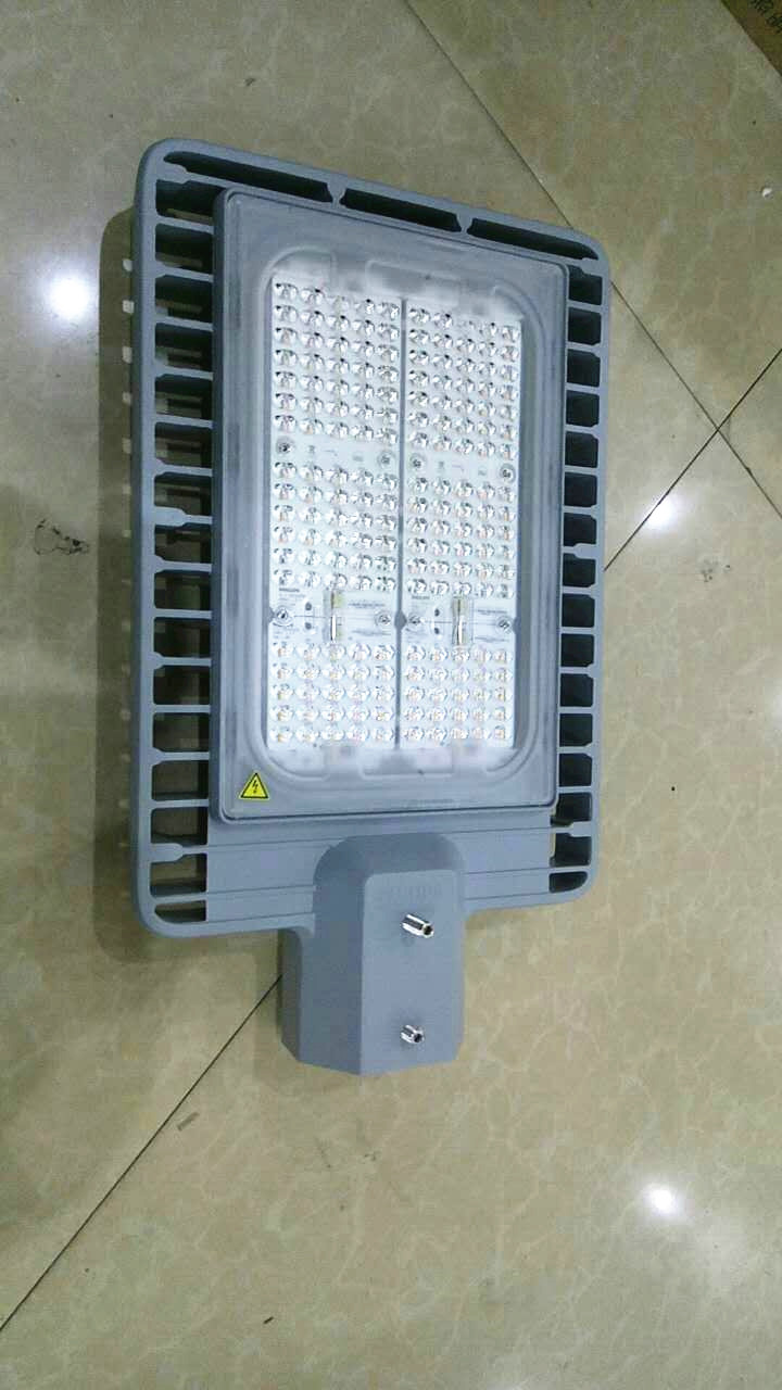 飞利浦LED路灯BRP392 100W 配套8米灯杆
