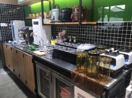 奶茶店专用吧台制冰机设备 骆奇特制冰机全国联保