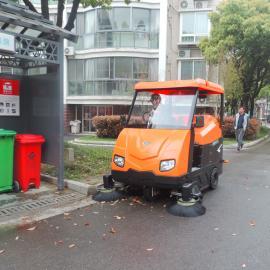 物业工厂驾驶式扫地车道路清扫车景区树叶粉尘大型封闭式扫地机
