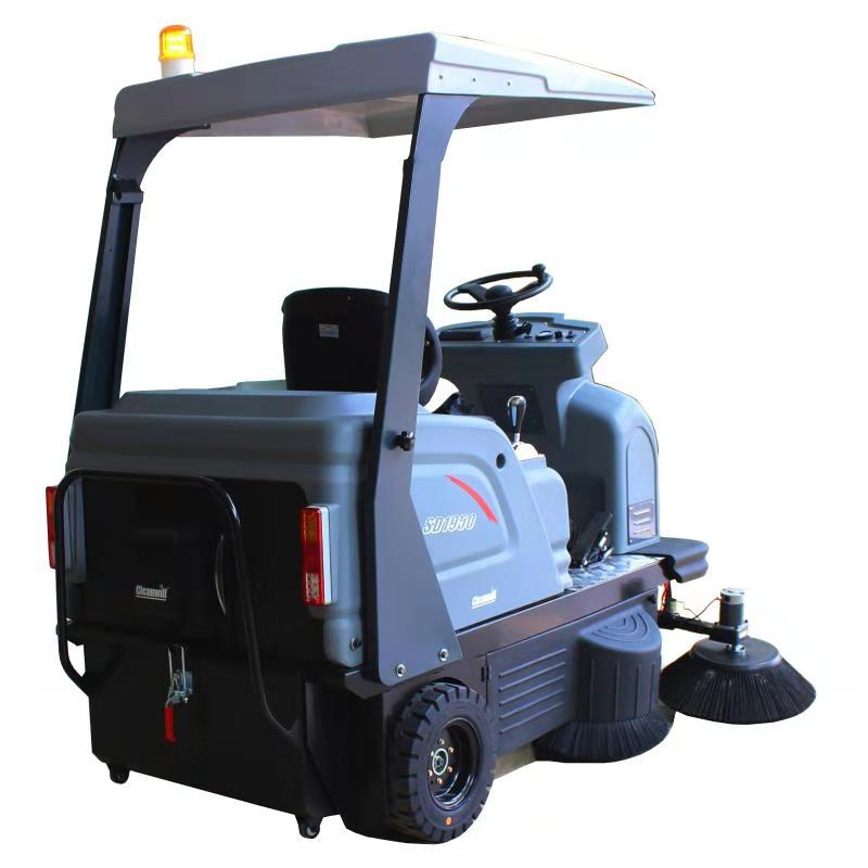 路驰洁路面清扫车/电瓶驾驶式清扫车/商务中心广场清扫车