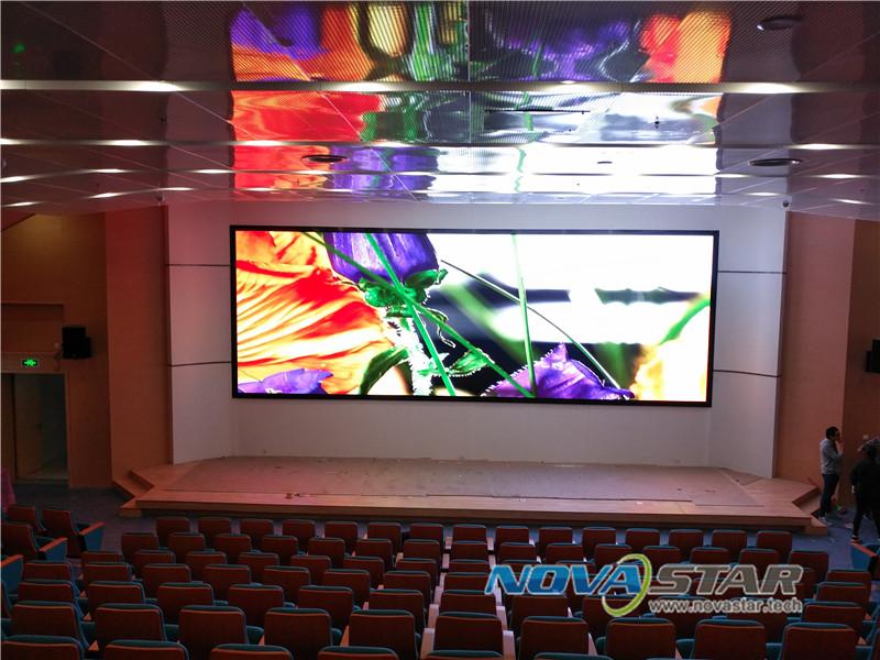 LED室内高清P4显示屏