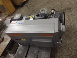 普旭油润滑旋片真空泵RA0302D