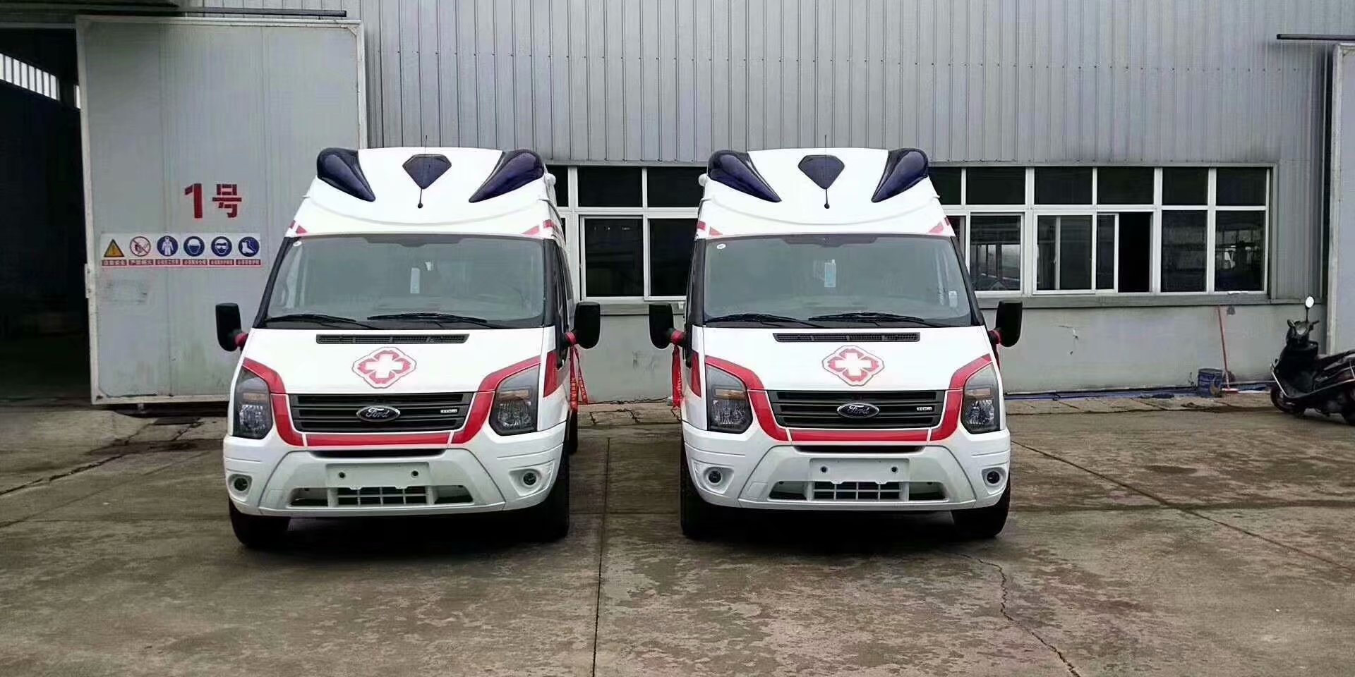 120120妇幼监护型救护车120的