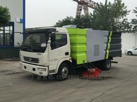 东风5吨大多利卡道路清扫车,可选装洒水装置和推雪铲