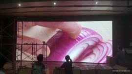 酒店婚宴厅LED显示屏各型号清晰度差别,单价相差多少