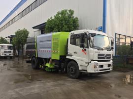 东风天锦8吨干湿两用扫路车