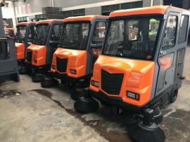 大型驾驶式全封闭扫地车物业保洁工厂厂区用大驾驶式扫地机