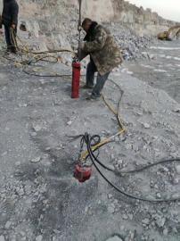 无声快速爆破岩石液压劈裂机