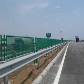 高速公路防眩网-国标金属扩张网-桥梁防眩网立柱支架