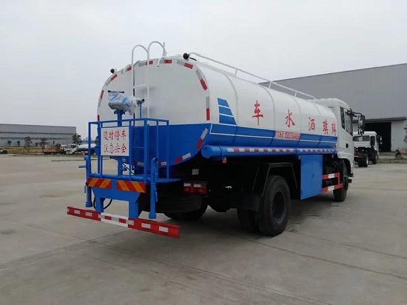聚氨酯保温15吨东风热水车