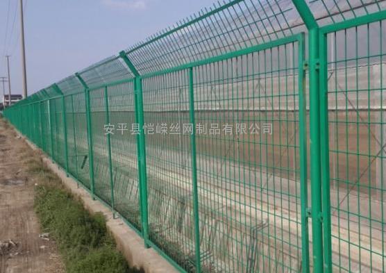球场围网 篮球场防护围栏 足球场护栏网 均匀现货