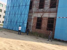 爬架网片防护 建筑施工地高层安全金属洞板