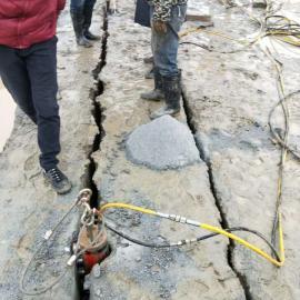 开挖地基岩石分裂机