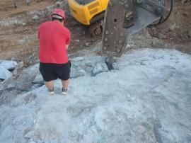 石灰岩采石场用岩石劈裂机