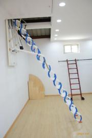 伸缩梯、阁楼伸缩楼梯、钛镁合金伸缩楼梯