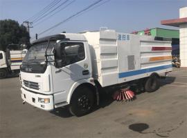 东风多利卡8吨中型洗扫车湿式扫路车图片性能参数