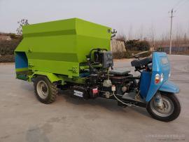 电动饲料撒料车效果好 移动式双向撒料车型号 养殖场必备