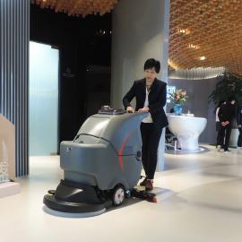工厂保洁用手推式洗地机大型商场医院用静音型拖地机清洁设备