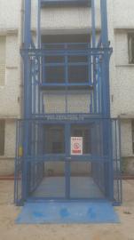 四柱导轨式简易升降货梯